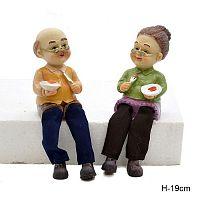Фигурка Бабушка и Дедушка висячие ножки 2 штуки набор 19 см / 9151 /уп 60/