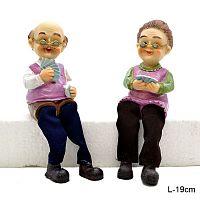 Фигурка Бабушка и Дедушка висячие ножки 2 штуки набор 19 см / 9153 /уп 60/